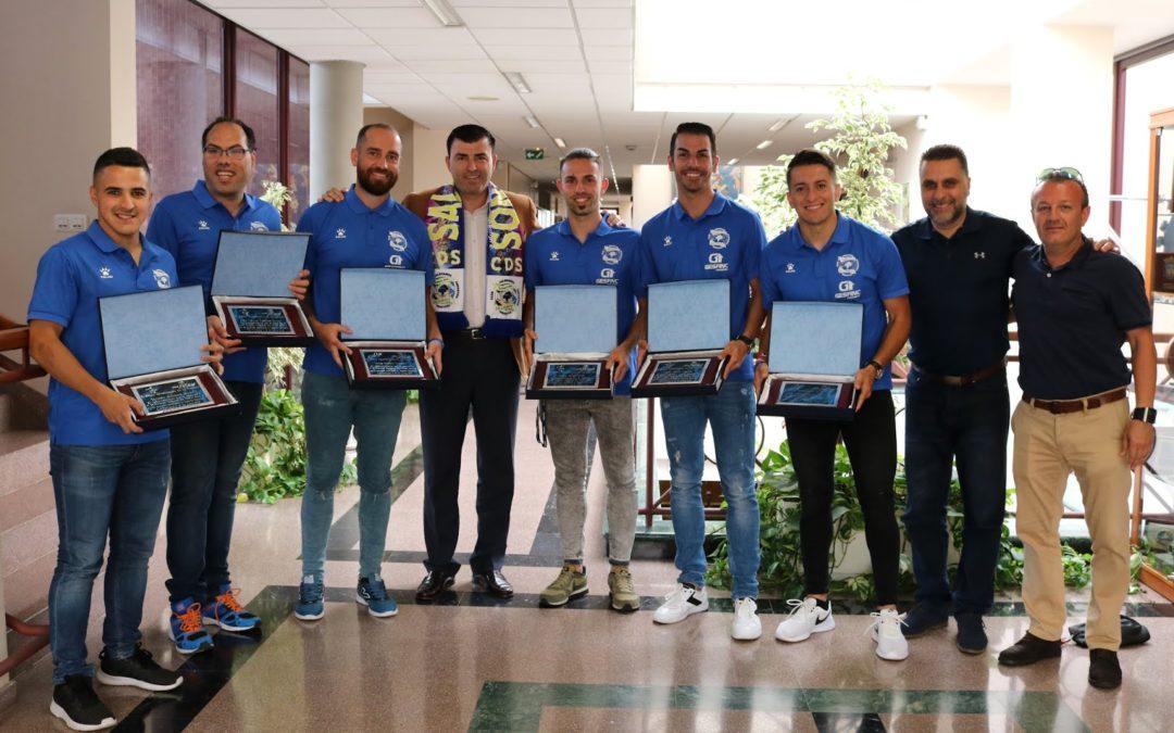 Los Realejos celebra el éxito colectivo de un C.D. Salesianos de fútbol sala plagado de realejeros
