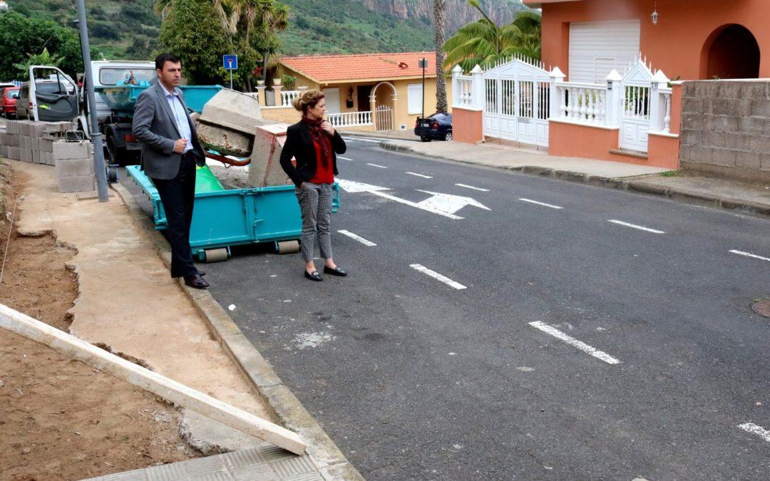 El Plan de Barrios concluye 915 metros de acerado sin pavimentación en la Urbanización Los Príncipes