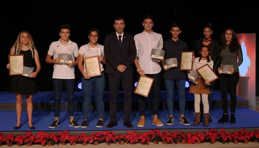 18 clubes y 11 deportistas avalados por sus méritos competitivos reciben 80.000 euros para la nueva temporada