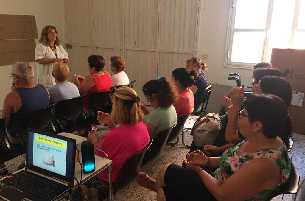 Los Realejos acercó un nuevo taller para personas cuidadoras de otras dependientes a Palo Blanco