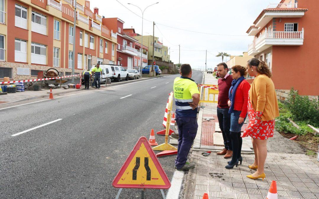 El Ayuntamiento dota de tres pasos de peatones la vía TF-342 a su paso por Icod el Alto