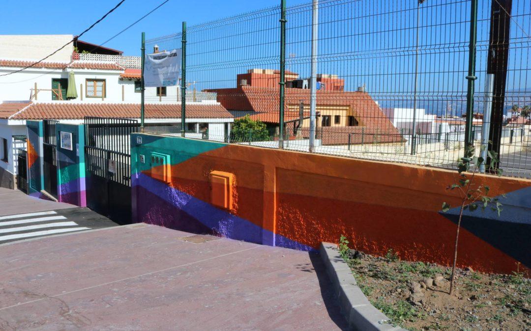 El proyecto de arte mural en los colegios realejeros llega ya al CEIP Toscal Longuera