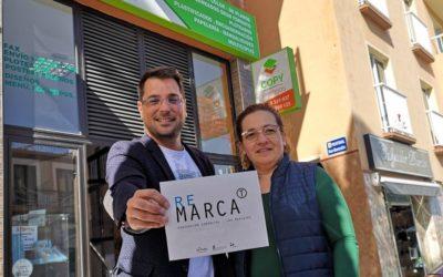 El Ayuntamiento rediseña la marca corporativa y renueva cartelería a una treintena de comercios de Los Realejos