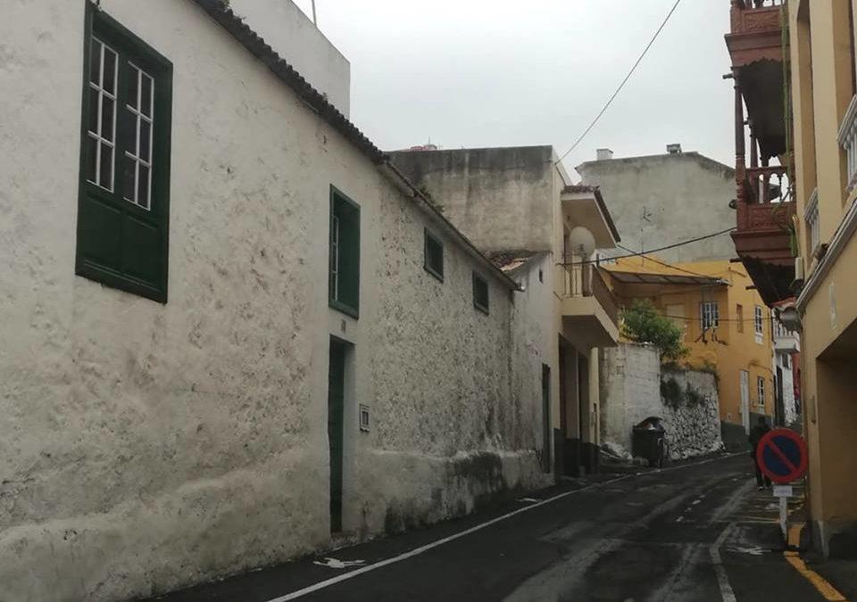 Cortado al tráfico desde hoy jueves el tramo inferior de la calle El Brezal y habilitado doble sentido en calle Villanueva