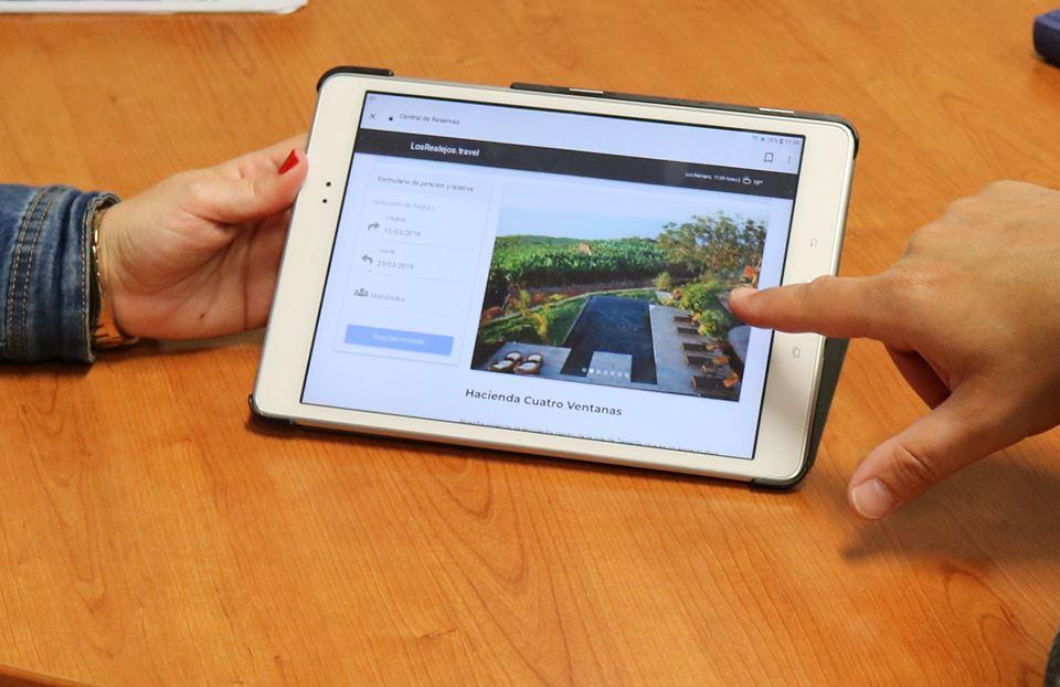 Los Realejos muestra a los hoteleros de la localidad su primer portal de reservas para alojamientos turísticos
