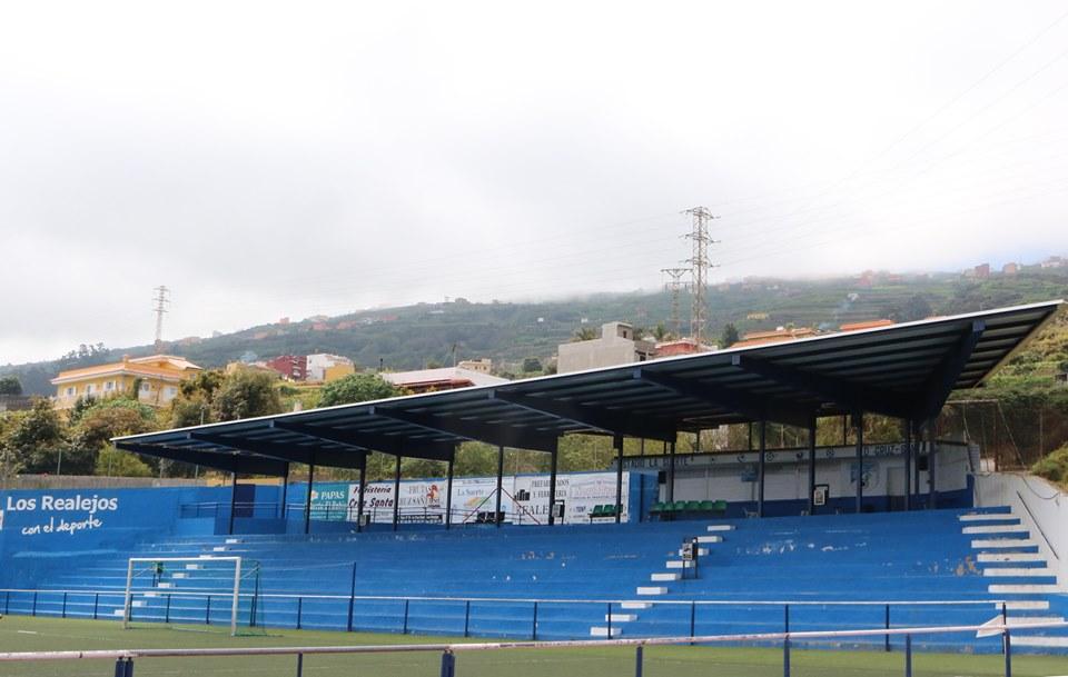 La próxima semana se inicia la sustitución del césped del Estadio La Suerte cofinanciada entre Ayuntamiento y Cabildo
