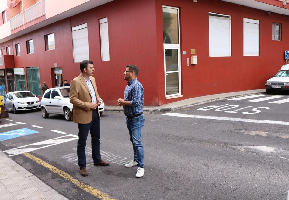 El Ayuntamiento procederá al reformado parcial de asfaltado y acerado en las calles Puerto y García Estrada