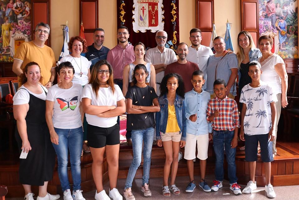 Menores saharauis del programa solidario 'Vacaciones en paz' visitan Los Realejos con sus familias de acogida