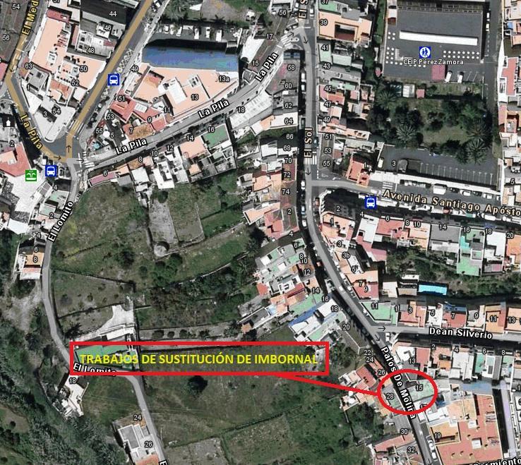 El Ayuntamiento actúa en la reparación del imbornal de recogida de aguas pluviales de la calle Palos de Molina