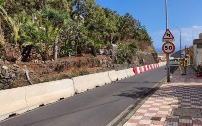 Ya se han iniciado las obras, de ejecución privada, de la reposición del muro de contención de la carretera de La Montaña