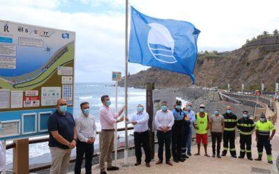 La playa de El Socorro luce ya su renovada Bandera Azul