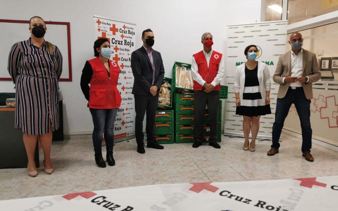 Mercadona donará periódicamente alimentos a Cruz Roja para destinarlos a familias con necesidades del Valle