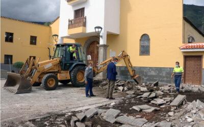 Ayuntamiento y Realserv ejecutan la reforma de la plaza de Palo Blanco