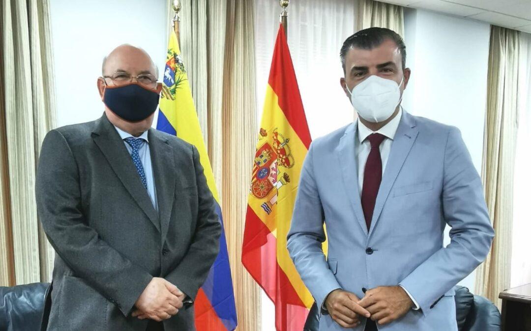 El embajador de Venezuela en España visita Los Realejos