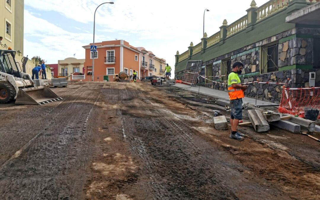 La dirección de obra planifica para este jueves y viernes el asfaltado de la Calle Lanzarote