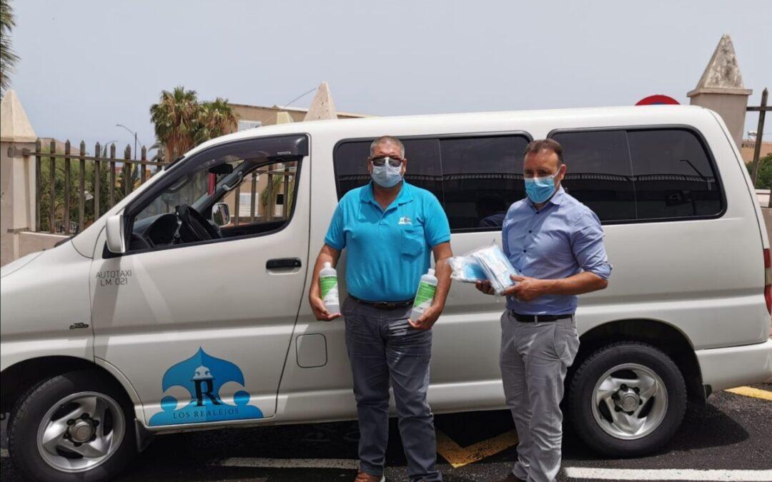 El taxi compartido de Los Realejos incorpora ya todas las opciones de pago con tarjetas de transporte de la red insular