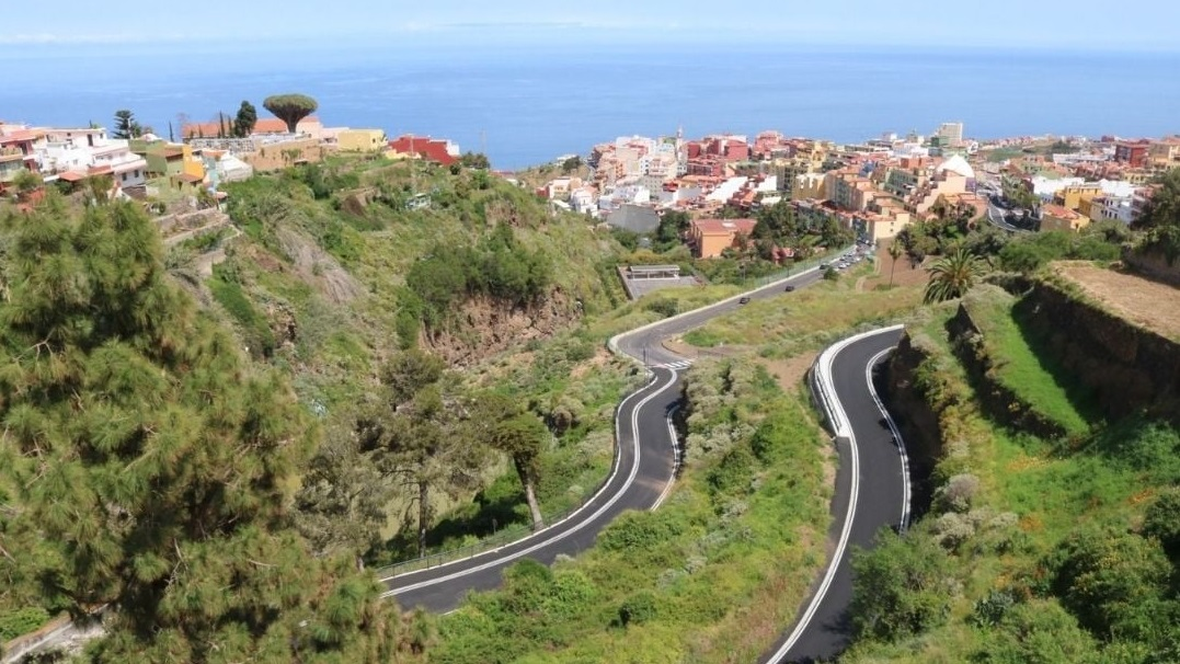 Los Realejos pide al Cabildo la titularidad del tramo de la carretera de La Charca (TF-335) para dotarla de alumbrado público